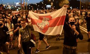 Протестующие в Минске двинулись к резиденции Лукашенко