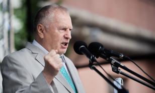 В ЛДПР возмутились фейком о почти слетевших с Жириновского штанах