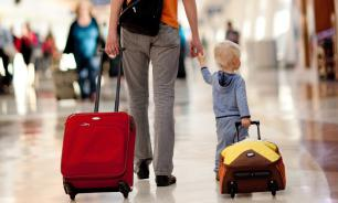 ФСБ пояснила новый порядок выезда детей за границу