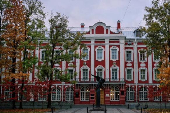Уволенный за драку сотрудник СПбГУ отсудил у вуза более 300 тыс. рублей