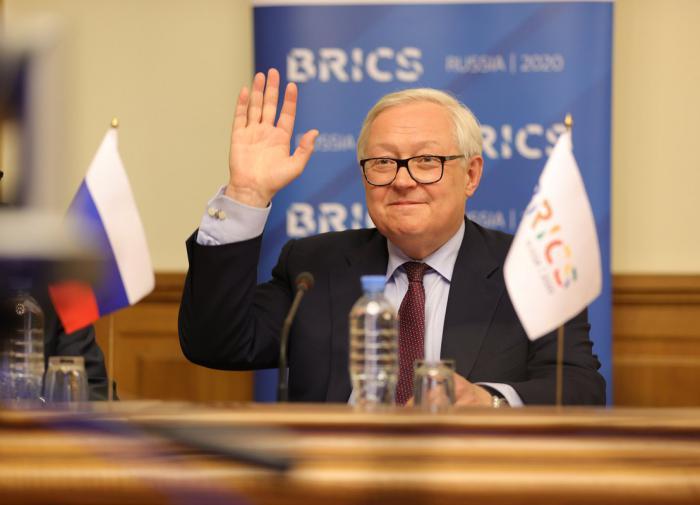 """Рябков: решение США по ДСНВ - """"единственно правильное"""""""