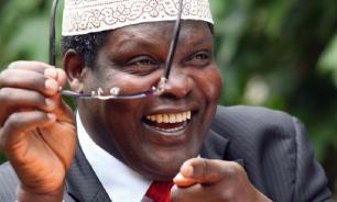 Депортированный кенийский оппозиционер возвращается на родину