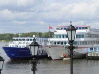 Ространснадзор выявил 5 судов без лицензий на пассажирские перевозки.