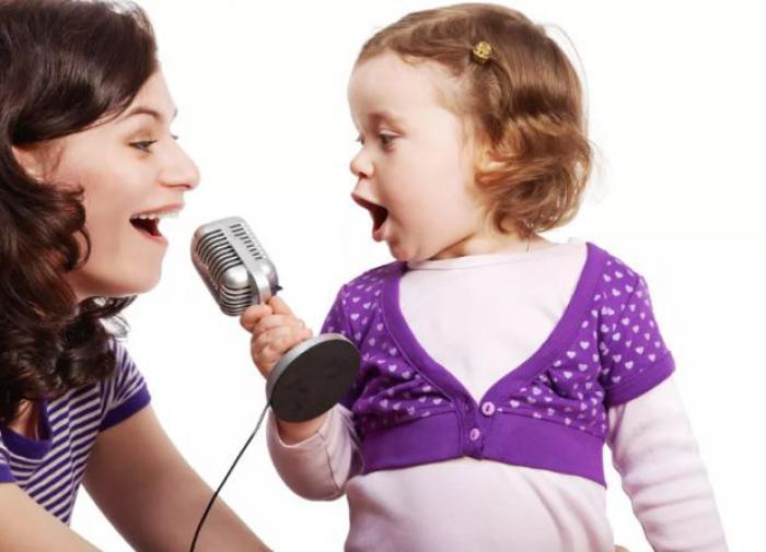 Профессор рекомендует часто петь, чтобы побороть последствия COVID-19