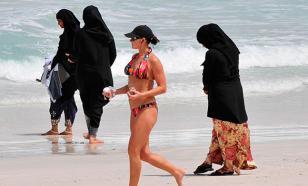 Мусульманкам на пляжах Канн придется отказаться от закрытых купальников