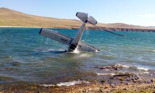 Самолет с туристами приводнился на озере Байкал
