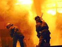 Растет число жертв пожара в катайском небоскребе