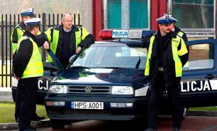 В Польше мужчина взял в заложники своих родственников и угрожает взорвать дом
