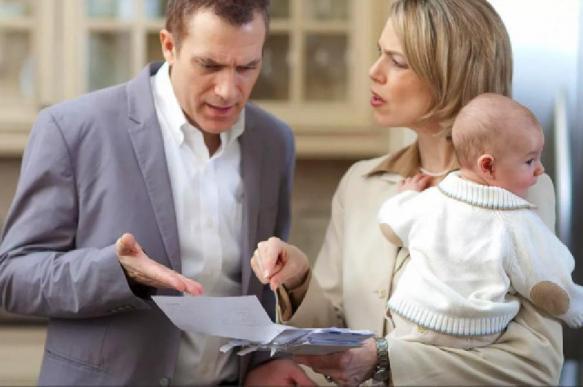 Кредиторы могут получить право взыскивать долги с жен и детей должников
