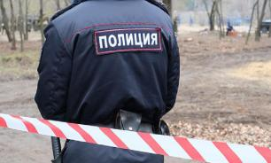 В Омске ребенку в колени вросла гречка из-за наказаний отчима