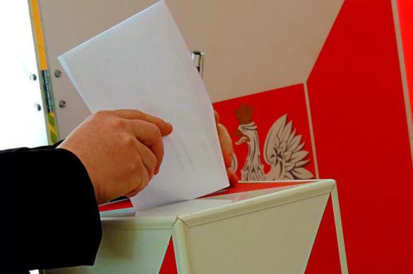 Президентом Польши хотят стать десять человек