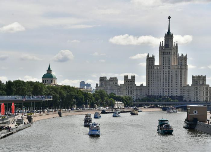 До конца октября в Москве сохранится тёплая погода