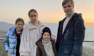 Два этажа и панорамные окна: Барановская с детьми переехала в новый дом