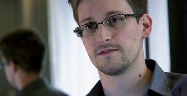 Республиканцы из конгресса считают, что Сноудену с самого начала помогала Россия
