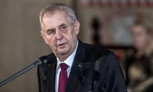 Президент Чехии осудил установку памятнику Власову в Праге