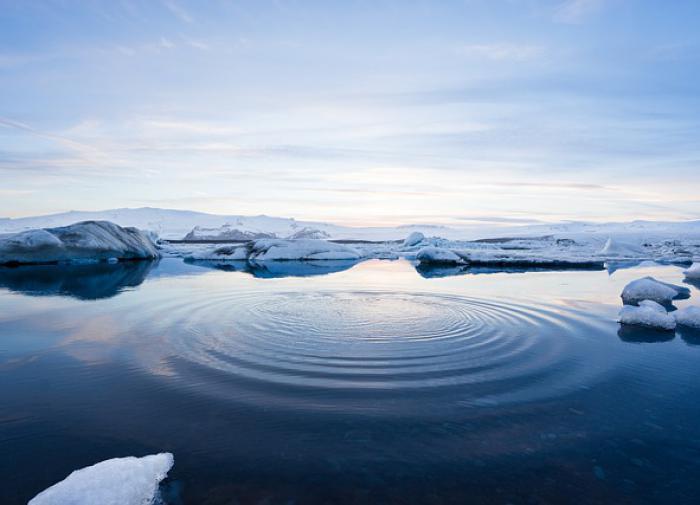 Растаявшие льды Арктики могут затопить Петербург, считает климатолог