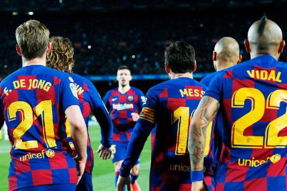 """Игрокам """"Барселоны"""" урезали зарплаты на 70%. Это может коснуться каждого"""