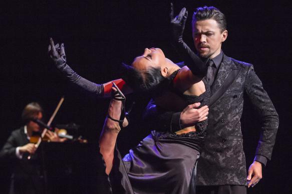 Феминистки призвали изменить правила танго из-за отсылок к патриархату