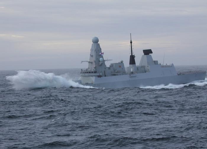 Эсминцы НАТО у Крыма — топить или пропустить?
