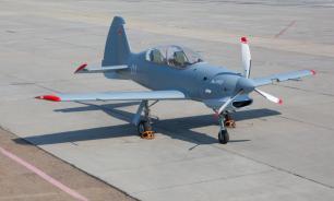Як-152 приучит курсантов к небу