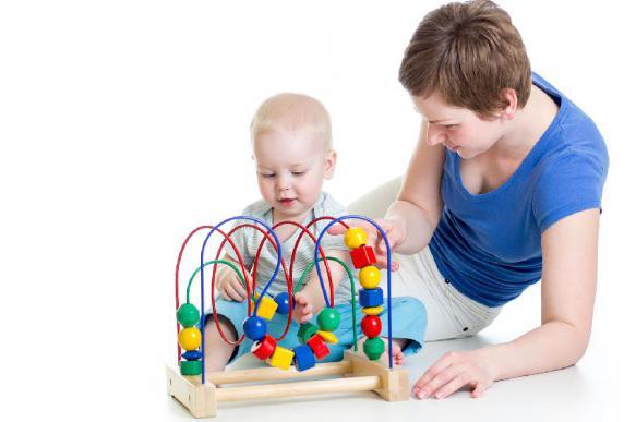 Педиатры: обычные игрушки полезнее электронных