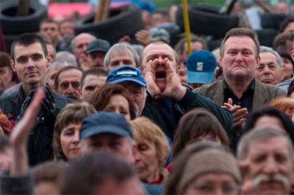 На митинге в Петербурге потребовали отменить