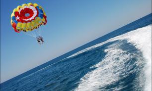 Турист из России умер в Турции после полета на парашюте