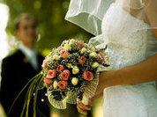 Свадьба пела и плясала. И ныряла, и летала