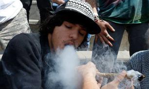 5500 подростков устроили дебош с наркотиками, алкоголем и драками на шотландском пляже. Видео