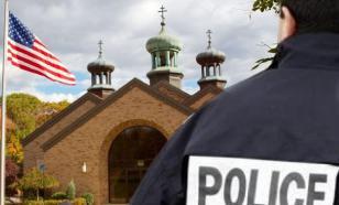 В США две сестры напали с ножом на охранника за просьбу надеть маску