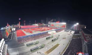 На параде в Пхеньяне показали новую баллистическую ракету