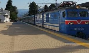 Между Туапсе и Гагрой запустили туристический ретро-поезд