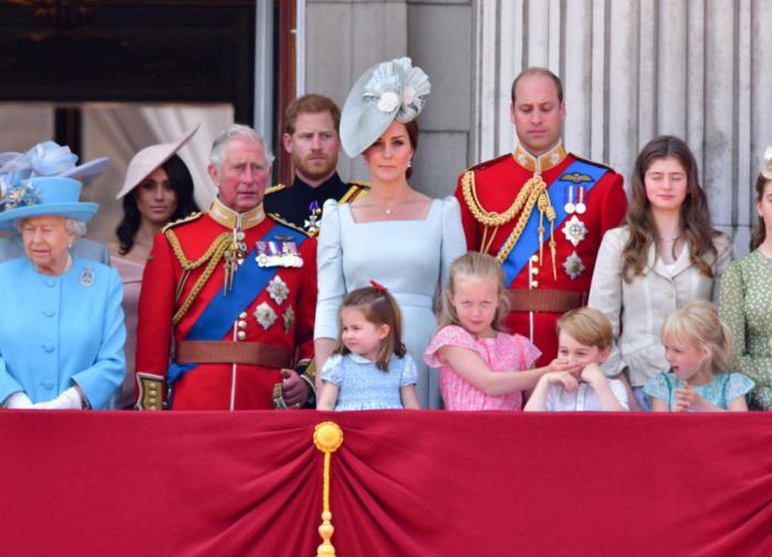 Принц Уильям и Кейт Миддлтон показали новые фото с детьми