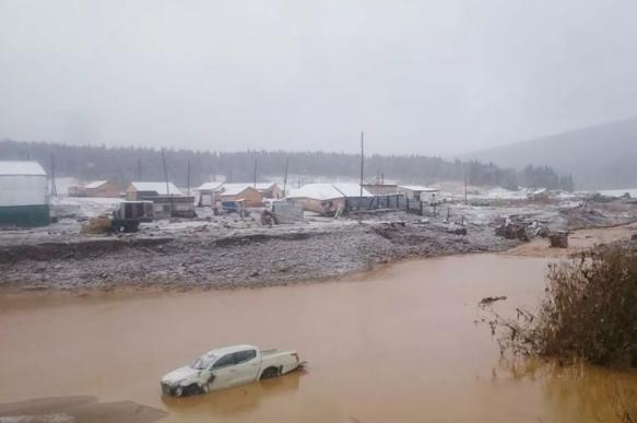 При разрушении дамбы в Красноярском крае погибли 15 человек