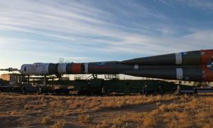 """С борта МКС рассмотрели готовящуюся к взлёту ракету """"Союз 2.1"""""""