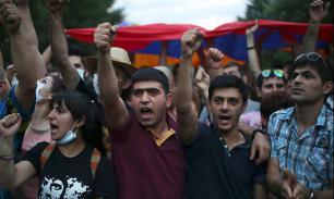Оппозиция Армении объявила об объединении, чтобы не допустить третий срок Сержа Саргсяна