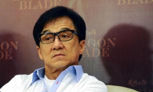 Джеки Чан выплатит миллион юаней за лекарство от коронавируса