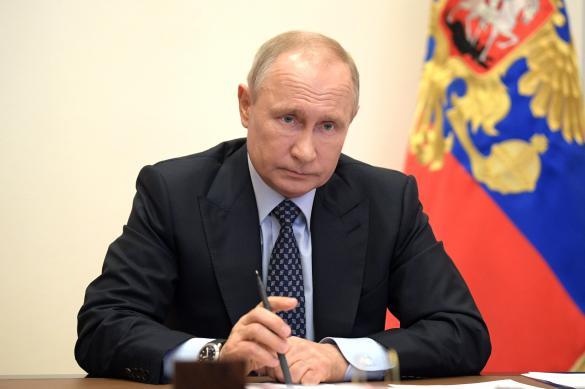 Путин призвал правительство четко контролировать действия регионов