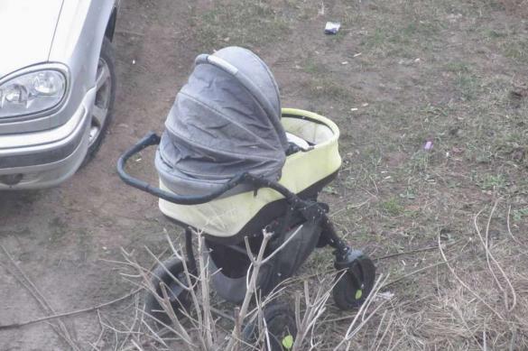 Житель Чукотки украл коляску вместе с ребенком