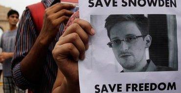 """Эдварда Сноудена предлагают поощрить """"Нобелевкой"""""""