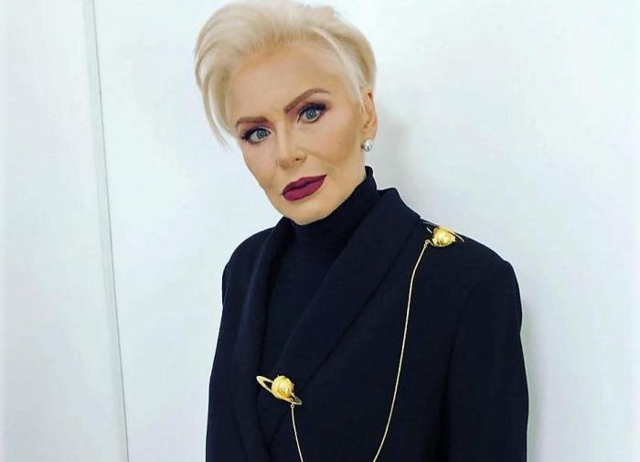67-летняя Ирина Понаровская произвела фурор осиной талией