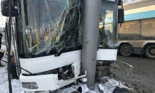 Столкновение автобуса и грузовика унесло жизни 21 человека в Гватемале