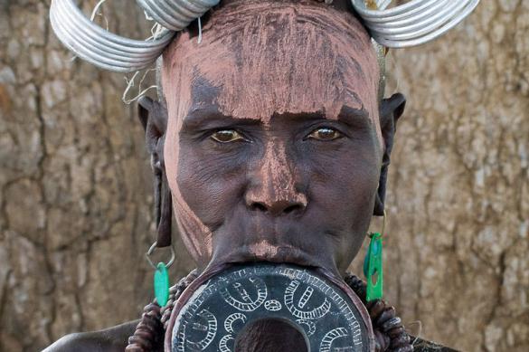 Древние люди украшали себя пирсингом