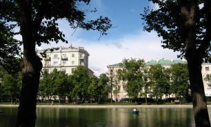 В центре Москвы орудуют воры, которые угощают жертв отравленной газировкой