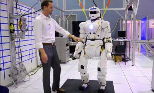 В США изобрели робота-носильщика