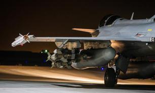 Госдеп США не объяснил, почему не бомбил нефтяные караваны ИГ
