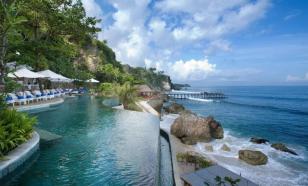 Индонезийцам разрешили отдыхать на Бали