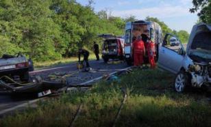 Шесть человек погибли в автомобильной аварии