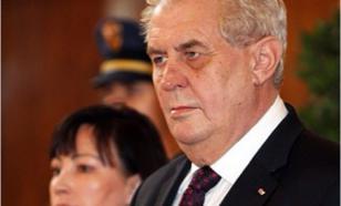 Почему так долго молчал президент Чехии