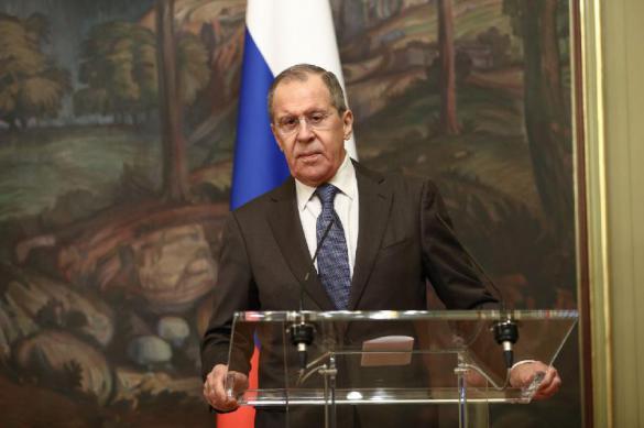 Лавров: выездные визы для россиян не планируются